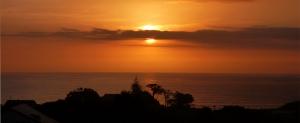 Accommodation-Baylys-Beach-Sunset-View-Lodge-sunset