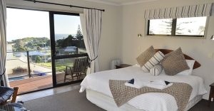 Baylys-beach-accommodation-sunset-suite-sunset-view-lodge